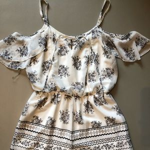 Trixxi Romper - Size Medium